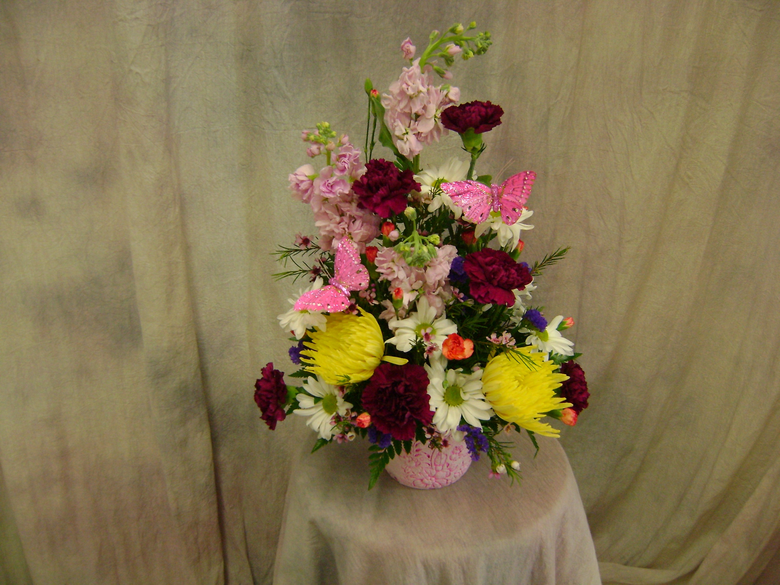 A Ray Of Spring Flowers Boutique