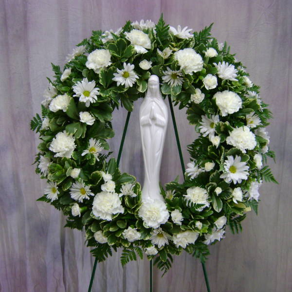 24″ Wreath with a Madonna